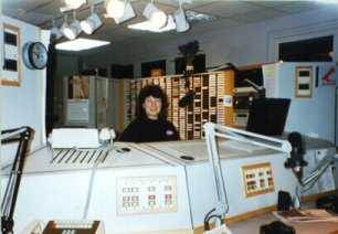 Lyn in the WMMR 	studio